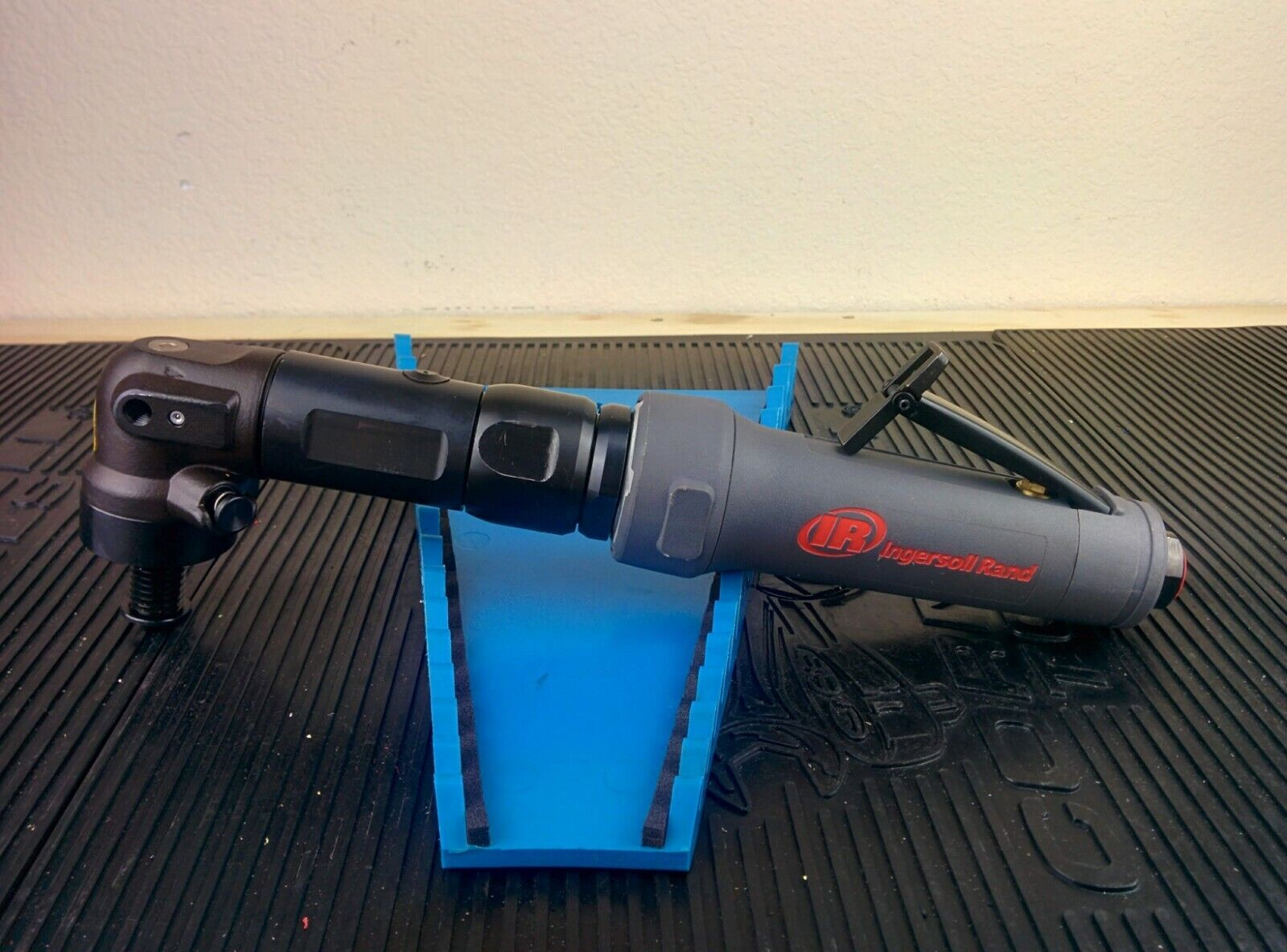 #ah609  INGERSOLL RAND M2L025RS10 Extended Angle Sander,2500 rpm,90 psi. Available Now for 599.95