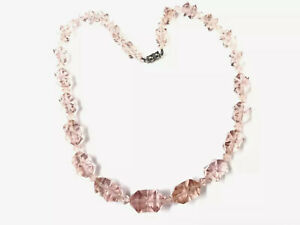 Vintage-PALE-PINK-PEACH-GRADUATING-Glass-Bead-Necklace-18-Inches-Long-GIFT-BOXED