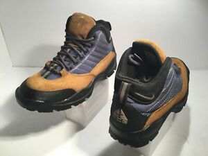 athletic boots womens