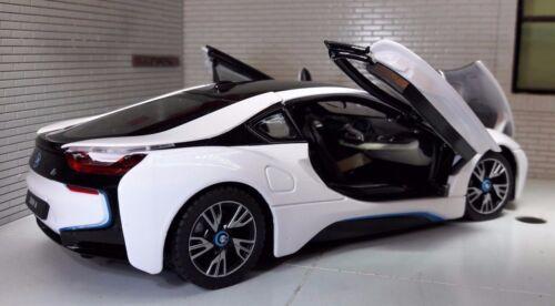 Autos 1:24 Maßstab BMW I8 1.5 Coupe 4x4 Elektrisch Stecker in Hybrid Sehr