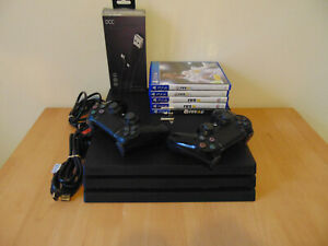 PS4 Pro 1TB CUH 7116B *MINT CONDITION*. FIFA Bundle. 2 x Controllers & 5 Games.