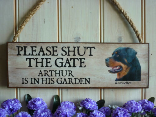 BEWARE ROTTWEILER SIGN GATE SIGN PERSONALISED DOG SIGN SHABBY CHIC WOODEN PLAQUE