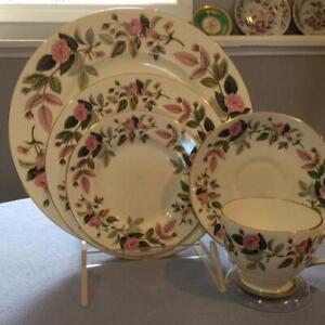 Wedgwood-Hathaway-Rose-bone-china-FIVE-piece-place-setting
