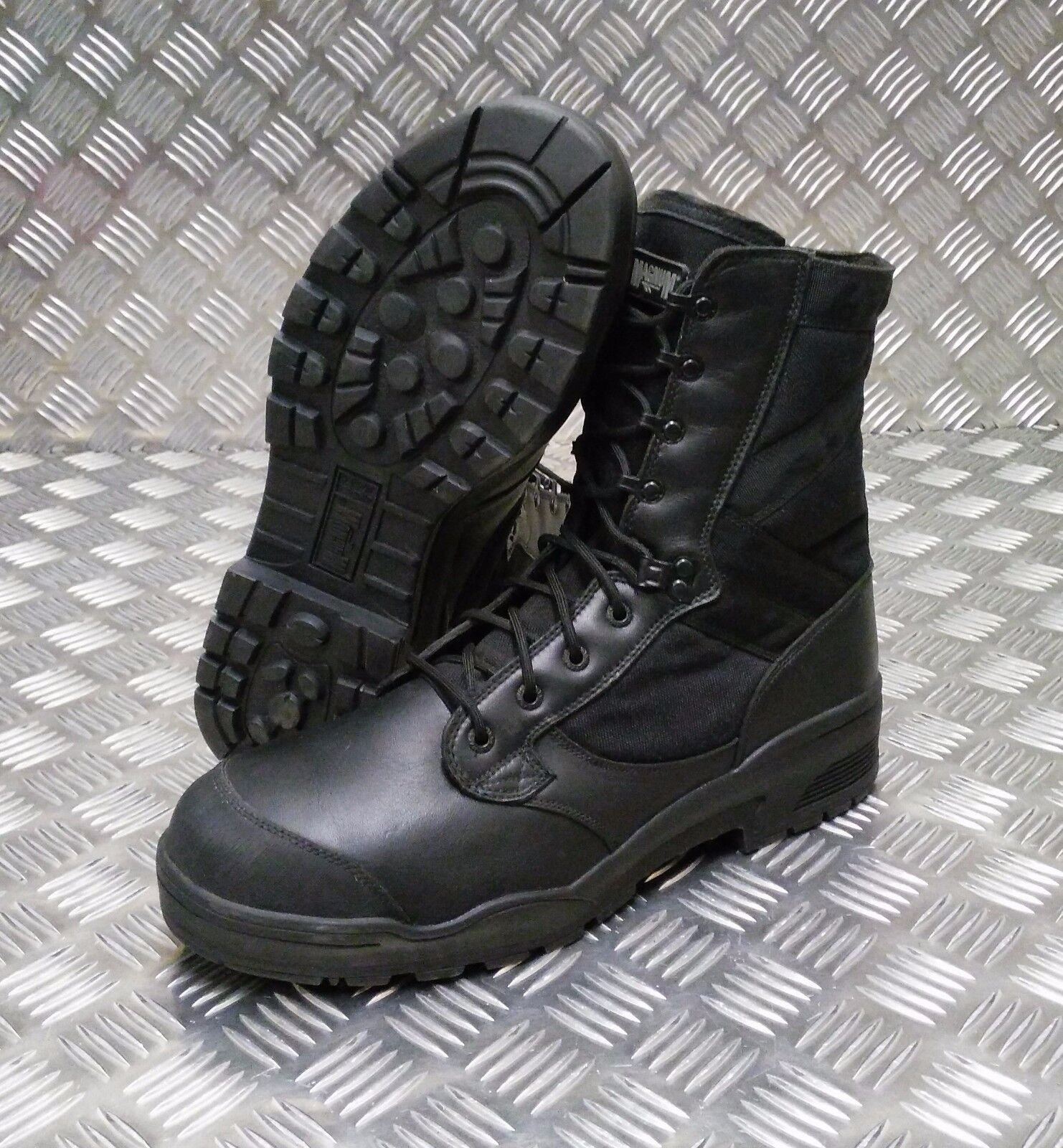 Genuine British Army Issue Magnum Black STEEL Toe Cap Boots - Selected