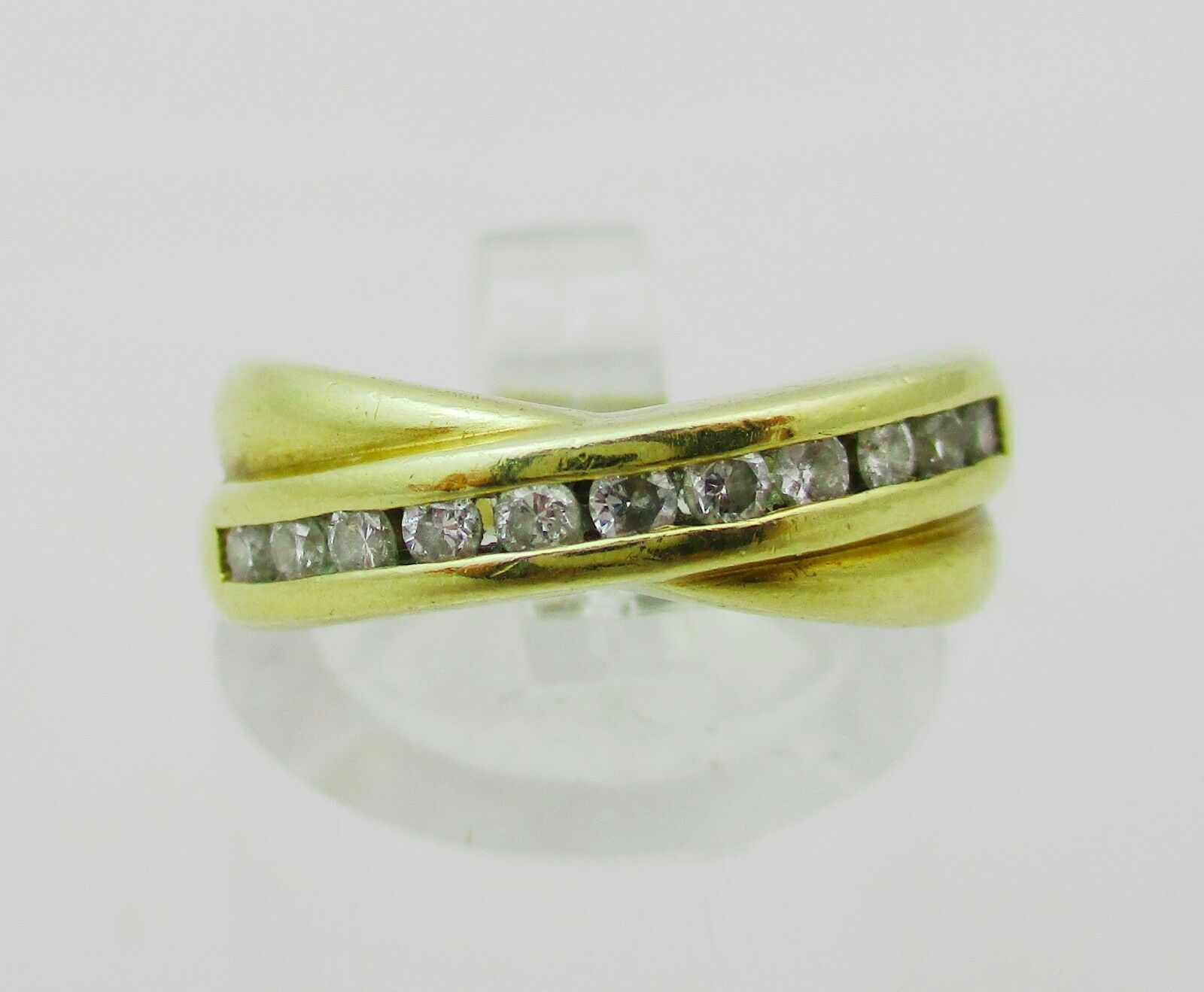 18 Carat gold & Diamond Credver Ring.  Size I
