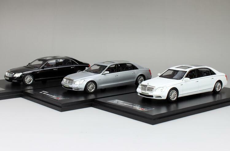 Jantes en  Alliage 1 43 Diecasting Modèle De Voiture MAYBACH 62 S Cadeau Collection Noir Blanc Argent  choix à bas prix