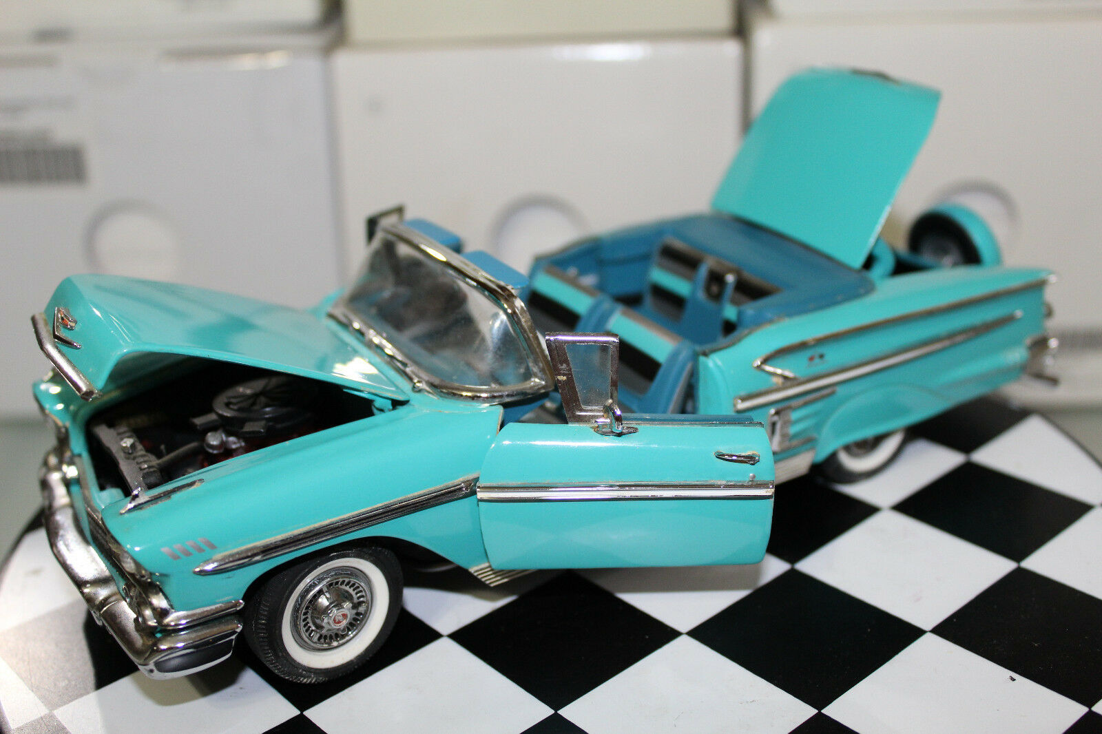 Danbury Mint 1 24 Scale 1958 CHEVROLET IMPALA (TEAL)