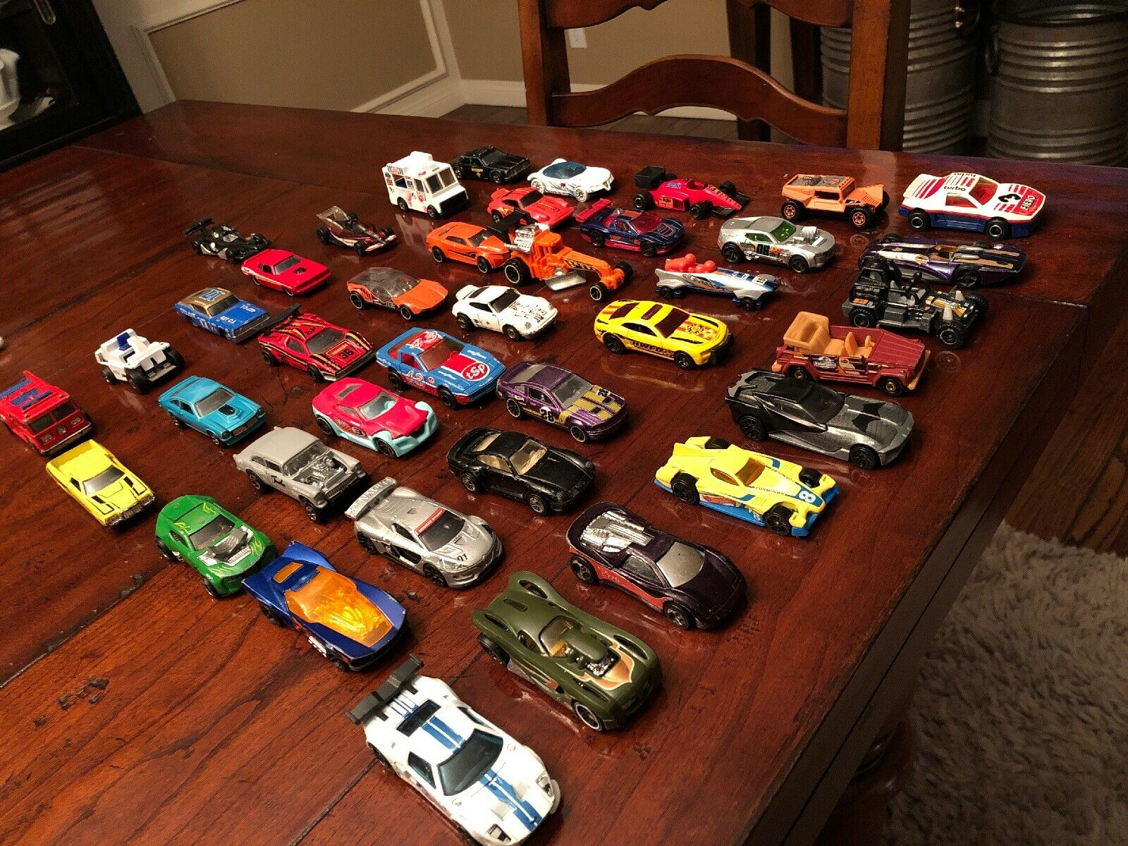 Hotwheels Lot with Vintage Cars Cars Cars and Matchbox Majorette 6060dd