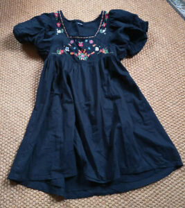 buy popular 029bb ae229 Details zu PRIMARK Folklore Kleid Mini schwarz Gothic Blumen Stickerei Boho  Hippie S 36 38