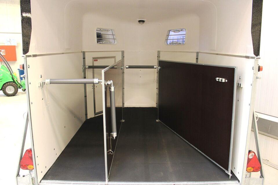 Trailer Schmidt Pony 3 - Sorttop - Svingbar rampe, lastevne