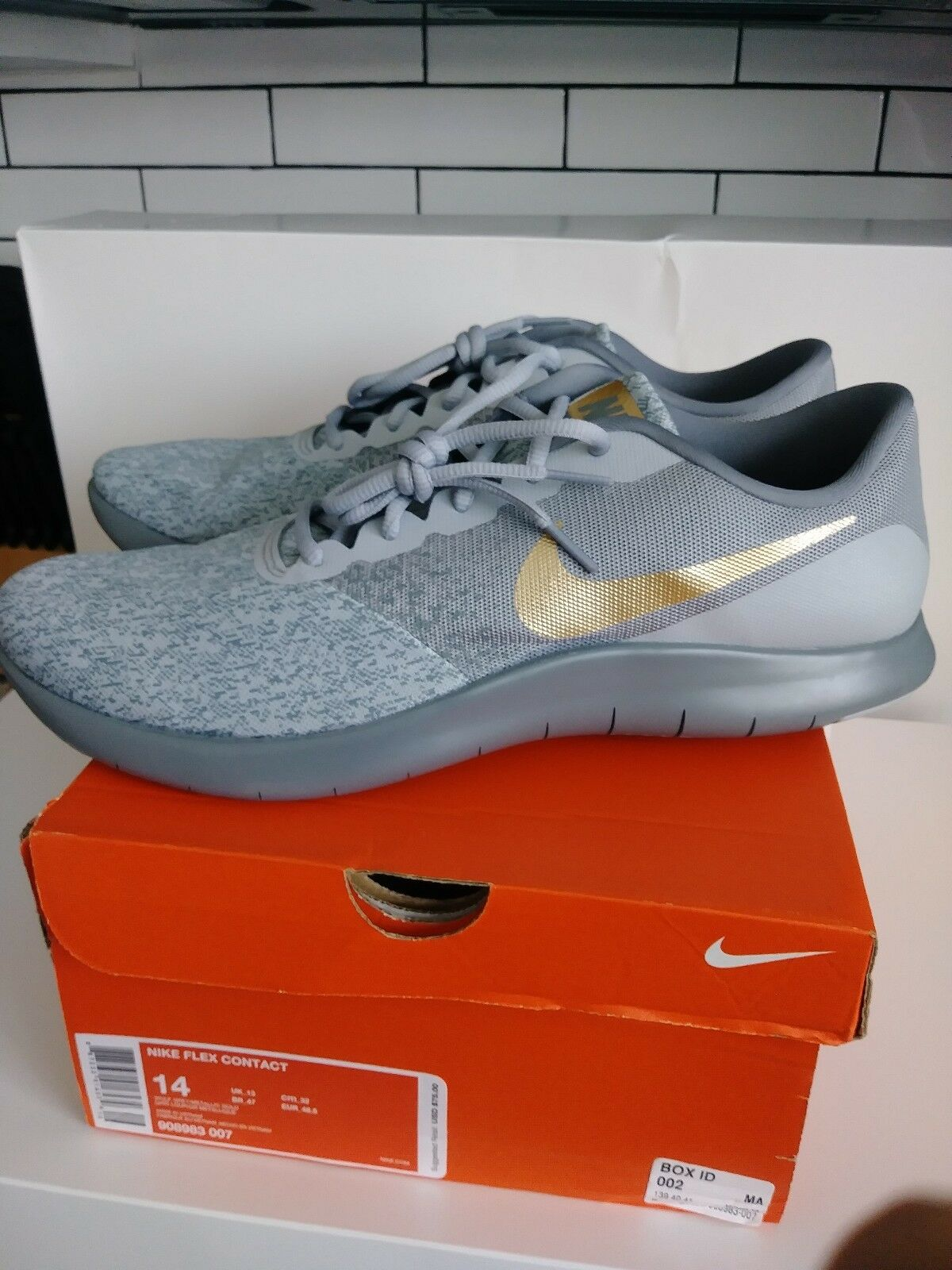 Uomo Nike Flex Contatto Dimensioni 14 D Lupo Grigio / Oro Metallico