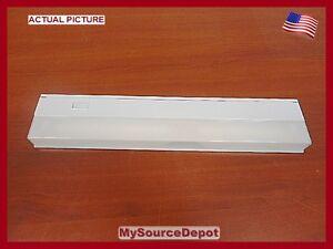 GE-10113-FLUORESCENT-LIGHT-FIXTURE-UNDER-COUNTER-SHOP-LIGHT-BENCH-LIGHT-BASEMENT