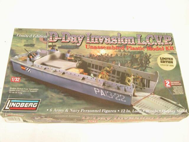 1/32 Lindberg D-Day LCVP Landing Craft Higgins Boat Plastic Model Kit 70866