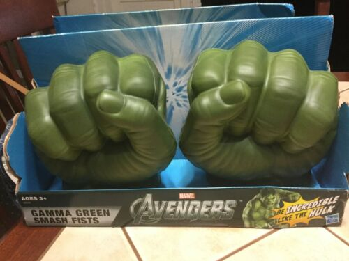 Marvel Avengers Incredible Hulk Gamma Green Smash Fists Hands Foam 2012 NEW
