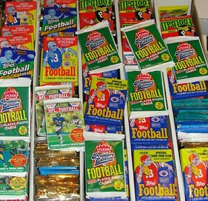 UNOPENED-OLD-VINTAGE-FOOTBALL-CARDS-WAX-CELLO-RACK-PACKS-HUGE-LOT-OF-100-CARDS