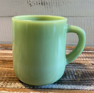 Vintage-Jadeite-Green-Glass-Large-Heavy-Coffee-Cup-Mug-4-25-034-Tall