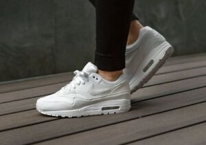 9a6bc43c7649 Image is loading WMNS-Nike-Air-Max-1-319986-108