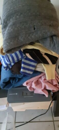 100% Cashmere Sweater Lot OF 4  LBS Crafters Repur