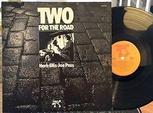 JOE-PASS-amp-HERB-ELLIS-LP-Two-For-The-Road-Pablo-1974-EX-13-Guitar-Duets