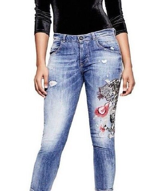 GUESS VANILLE EMBROIDERED RELAXED-FIT JEANS SIZE 27 NWT