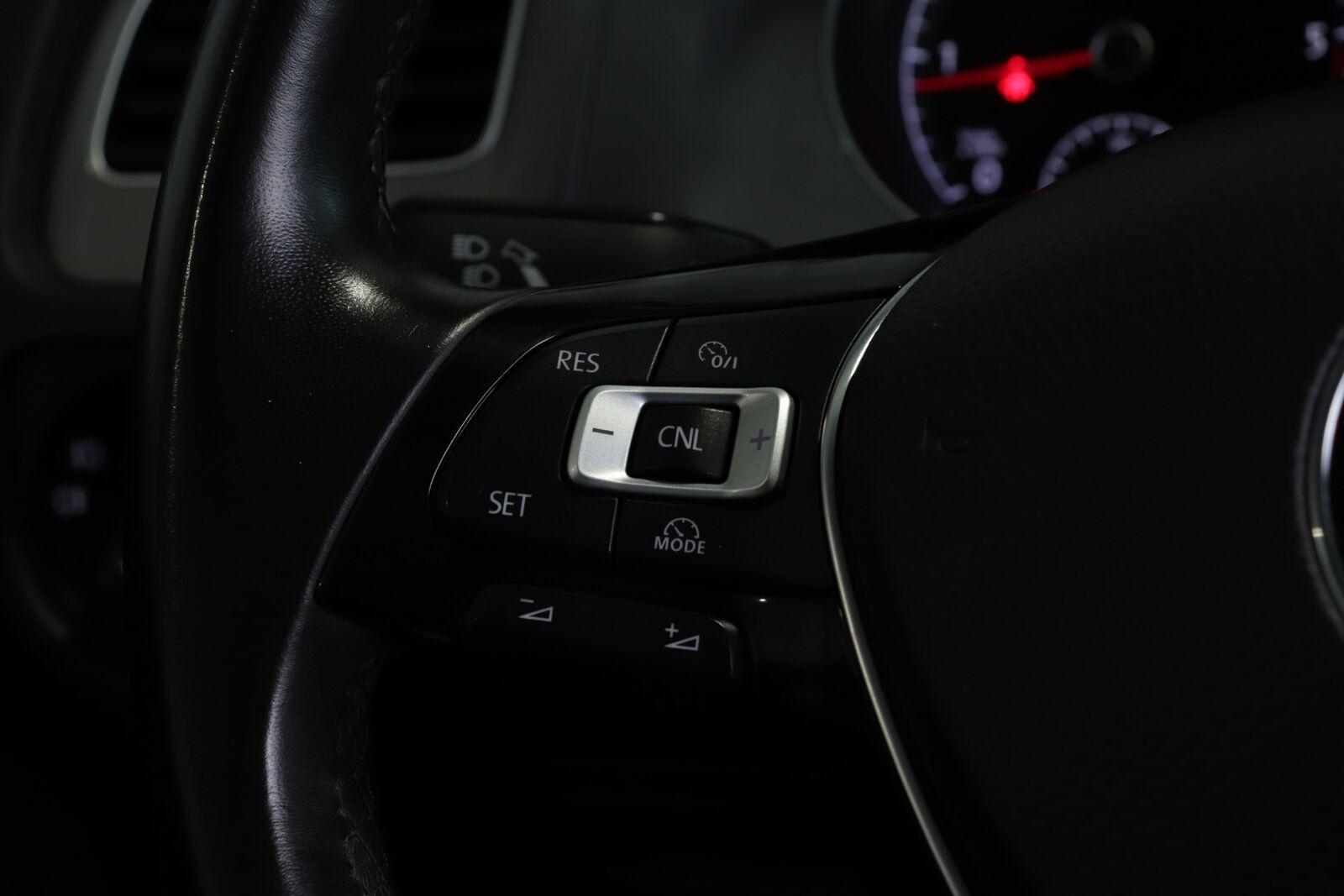 VW Golf VII TDi 110 Trendline Variant BMT