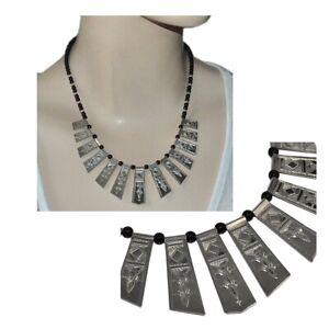 Collier-ethnique-bijou-touareg-argent-massif-925-et-perles-de-verre-rouge-bijou