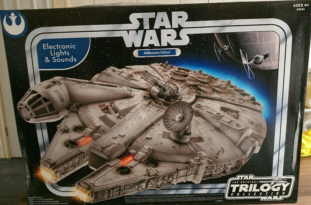 STAR WARS ORIGINAL TRILOGY COLLECTION MILLENIUM FALCON NEVER OPENED BRAND NEW