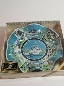 Vintage-Walt-Disney-World-034-A-Gift-Of-Glass-034-The-Magic-Kingdom-Extremely-Rare