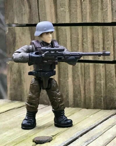 GERMAN SOLDIER#3 From MEGA CALL OF DUTY ENEMY SOLDIERS FVG04 AXIS TROOPS SOLDIER