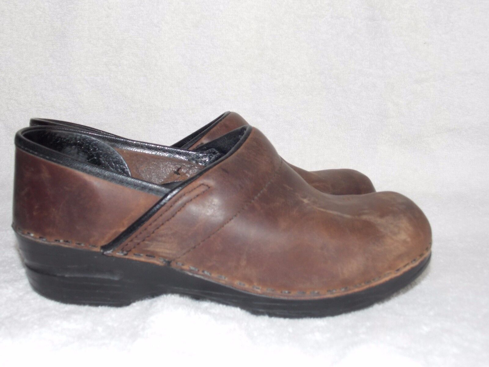 Dansko Brown Oiled Brown Leather Slip On MULES Clogs shoes For Women 37 7 Used
