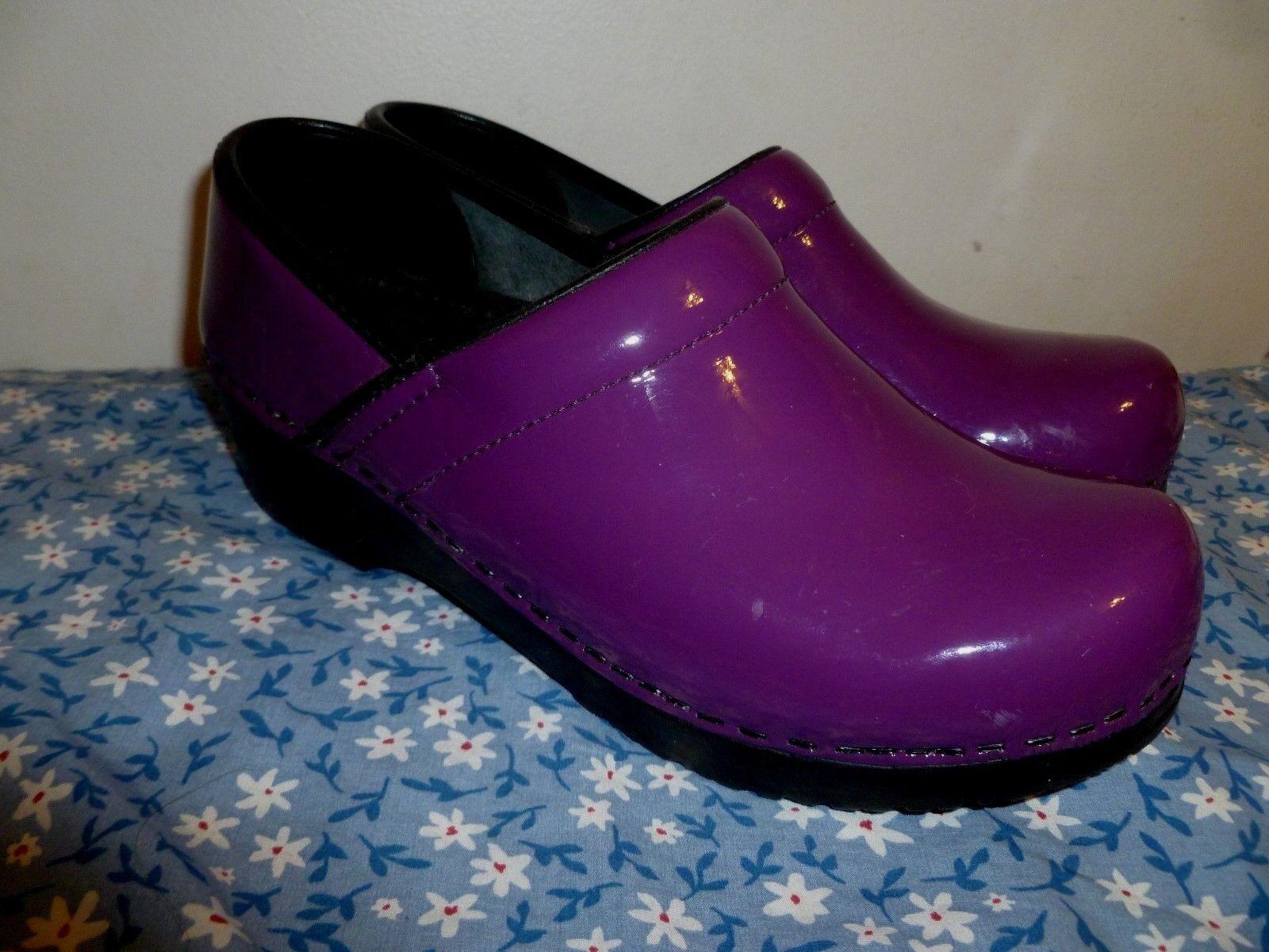 Sanita  Women's Professional plum Patent Leather Clogs 37 NARROW