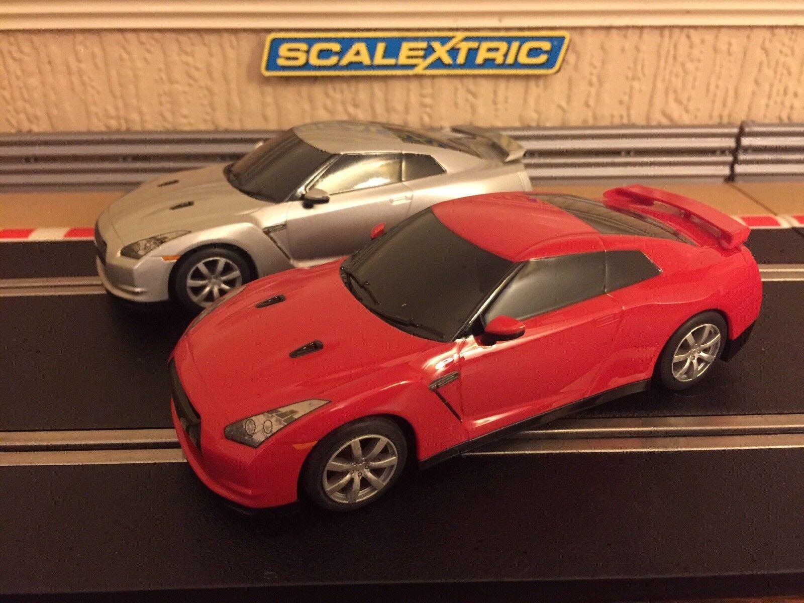 Scalextric Nissan GT-R Drift 360 Degré rougeation Voitures x 2 voitures excellent état