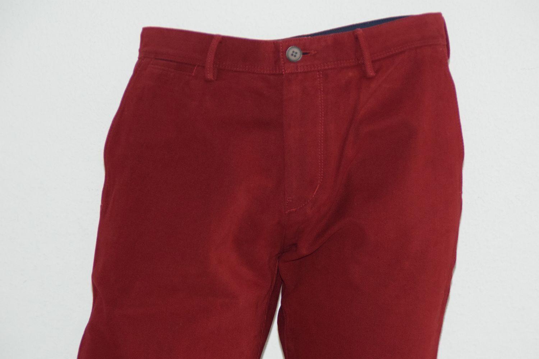 HUGO BOSS JEANS, Mod. Crigan2-4-W, Gr. 50, Regular Fit, Dark Red