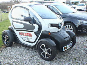 2015-Renault-Twizy-Dynamique-with-Doors-Windows-Just-arrived-only-2200-miles