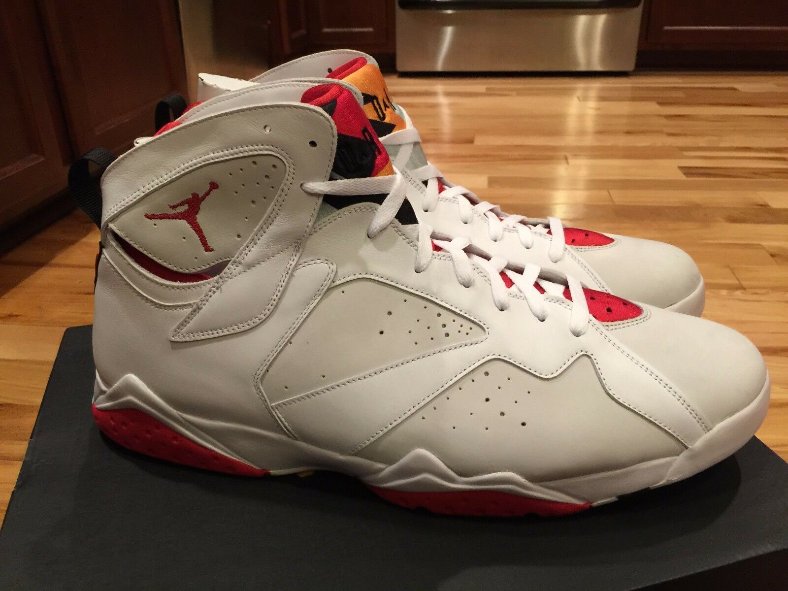 NIKE AIR JORDAN 7 VII RETRO HARE BUGS BUNNY WHITE TRUE RED 304775-125 SIZE 18 best-selling model of the brand