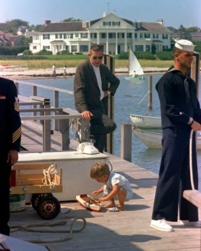 with Secret Service agent in Hyannis Port New 8x10 Photo John F Kennedy Jr