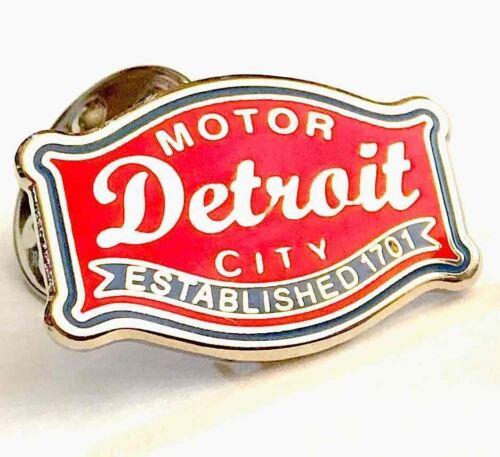 Pin Detroit Buckle