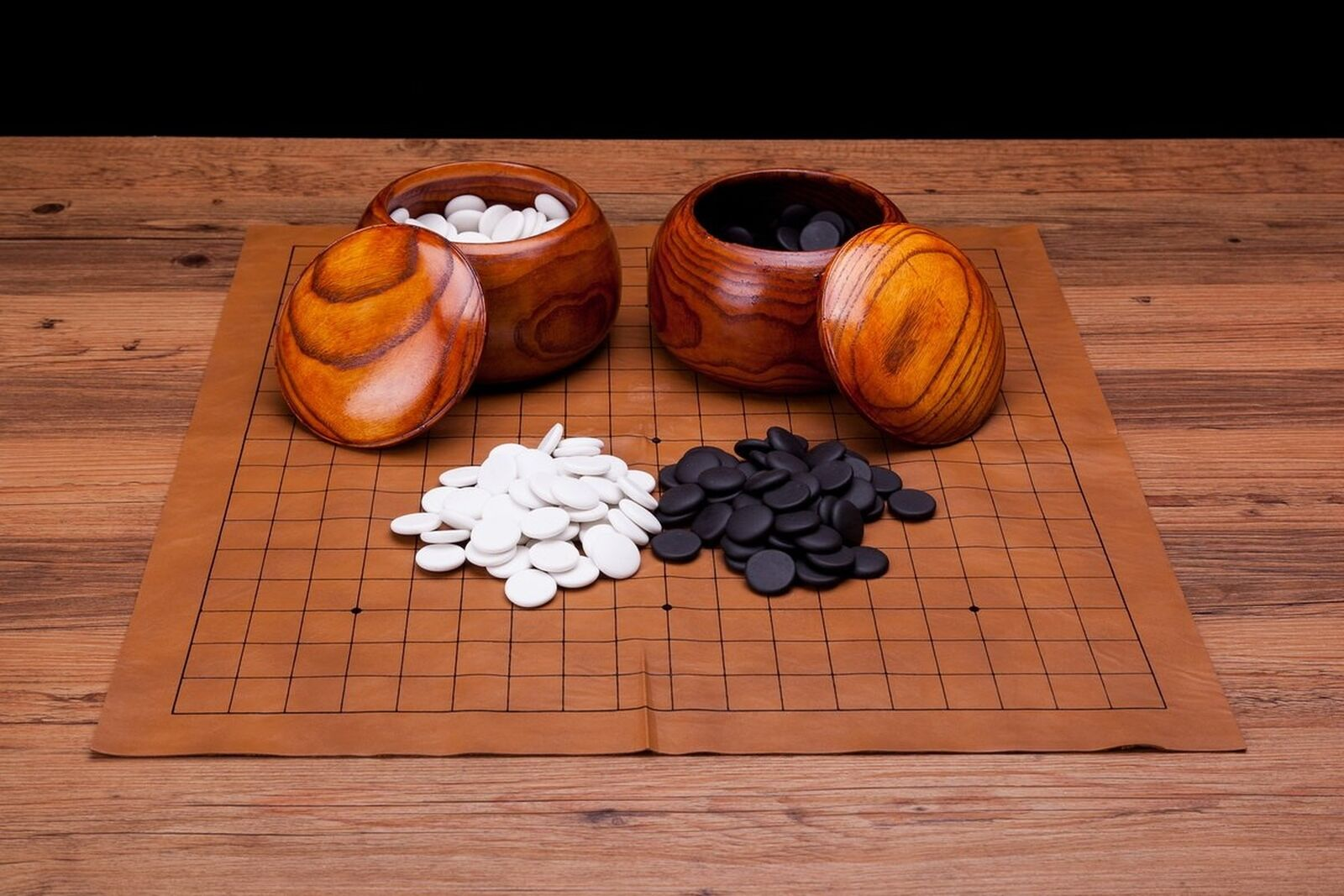 Collectible Wei Qi Go Game Set Melamine Single Convex Stones and Wild Jujube