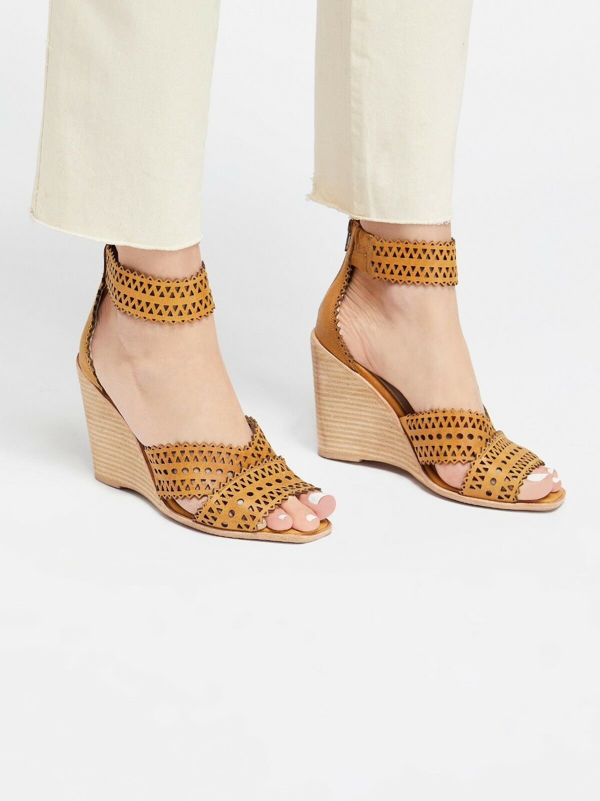 NEW Free People + Jeffrey Campbell Clara Wedge size 7.5 MSRP   168