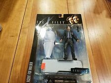 McFarlane Toys X-Files Agent Fox Mulder with Corpse figure, Brand New!