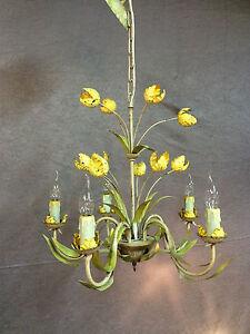 Lustre-en-fer-forge-et-tole-a-5-lumieres-decor-de-tulipes-Annees-1970