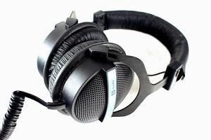 Superlux-HD-330-Semi-Open-Studio-Headphones