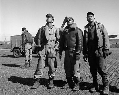 Discreet Tuskegee Airmen Ground Crew In Ramitelli Italy 8x10 Silver Halide Photo Print Other Militaria