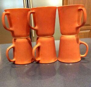 Vintage-PYREX-COFFEE-MUG-Set-6-Cup-Corning-D-Handle-Burnt-Orange-Milk-Glass-EUC