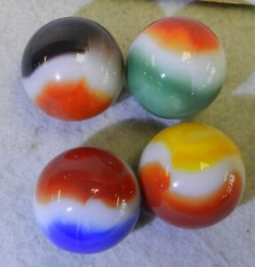 10538m-Group-of-4-Vintage-Vitro-Agate-All-Red-Shooter-Marbles-86-to-89-Inches