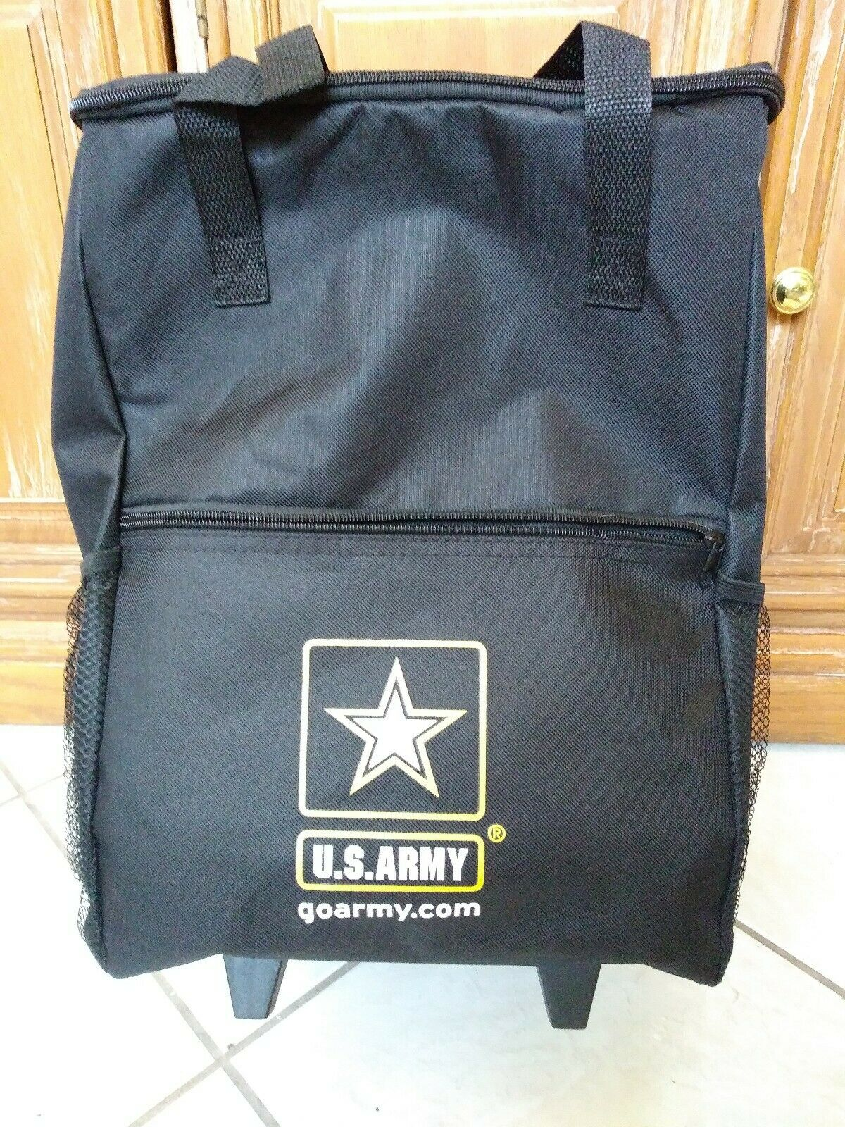 United States  Army U.S. Army Military Retractable Handled Rolling Cooler Bag  novelty items