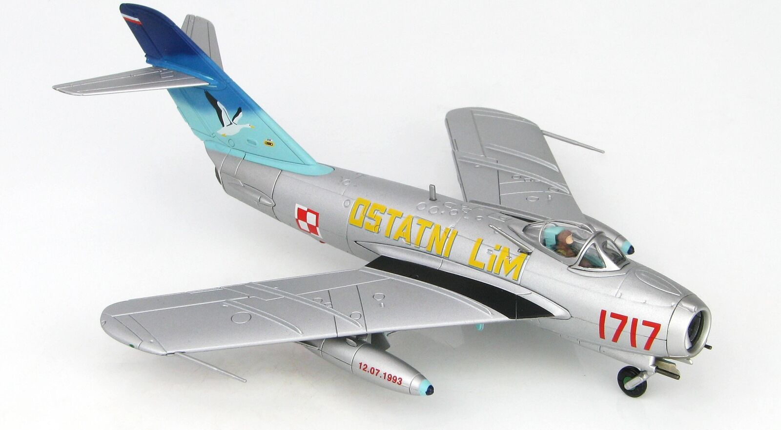Hobby Master 5905 LIM-5 (MiG-17) 45th EXPERIMENTAL AVIATION ESRON échelle 1993 1 72