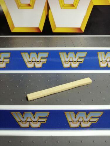 WWF WWE Hasbro Custom dans Hacksaw Jim Duggan 2x4 Accessoire Wrestling figures.