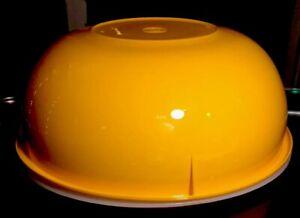 TUPPERWARE-NEW-USA-VINTAGE-Yellow-Orange-274-Mixing-Bowl-Fix-N-Mix-26-Cup