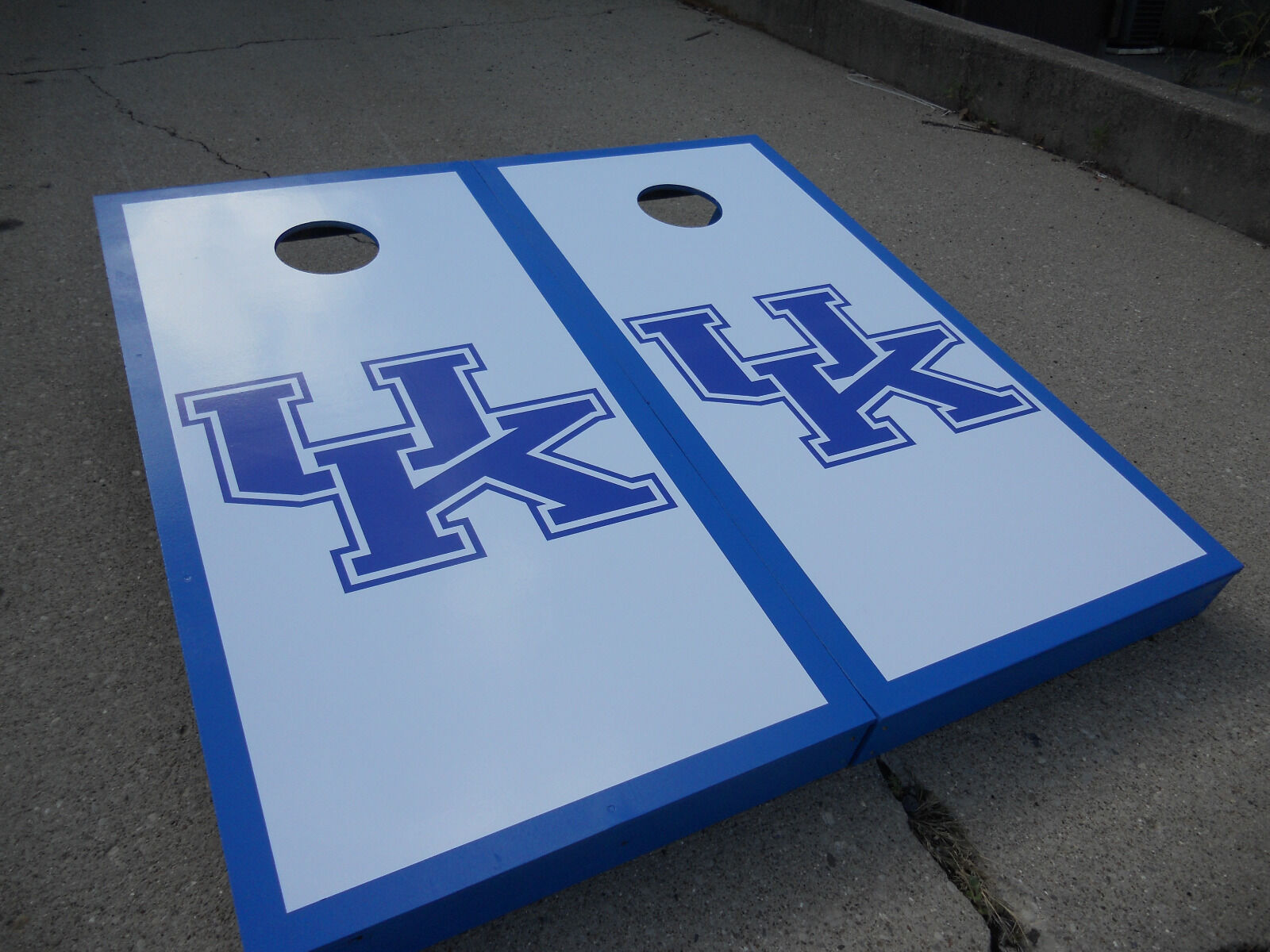 UK Wildcats cornhole set w 8 corn bags
